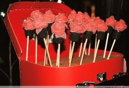 Boda viajes candy bar rosas de golosinas