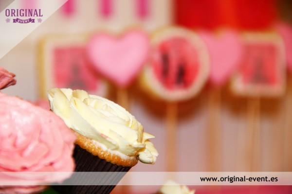 MiniCupackes rosas mesa dulce