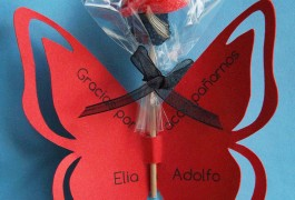 tarjetaAgradecimiento con flor de golosina