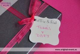 Detalle etiqueta invitación boda