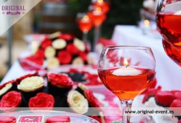 Mesa dulce roja y negra romántica